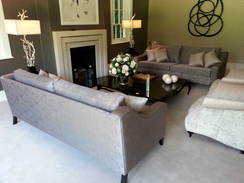 Sofas with curved arms